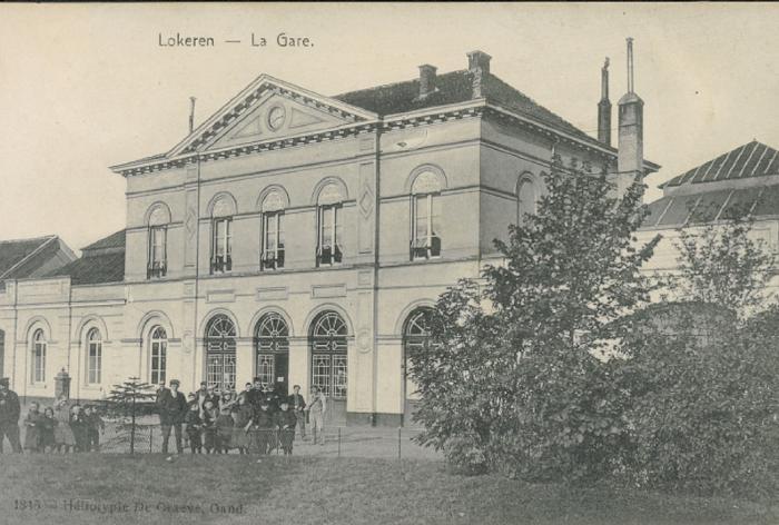 Station Lokeren, straatzijde